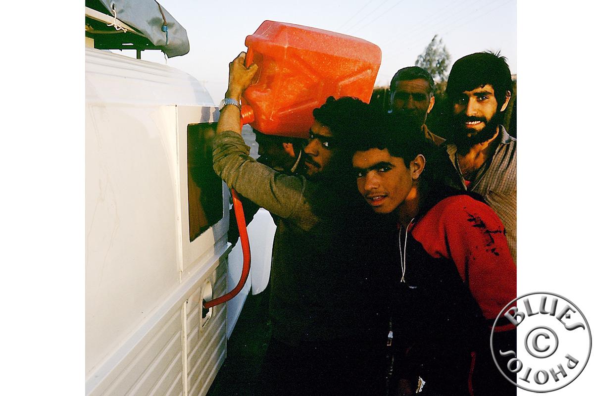 Iran, le plein d'essence en cours de route