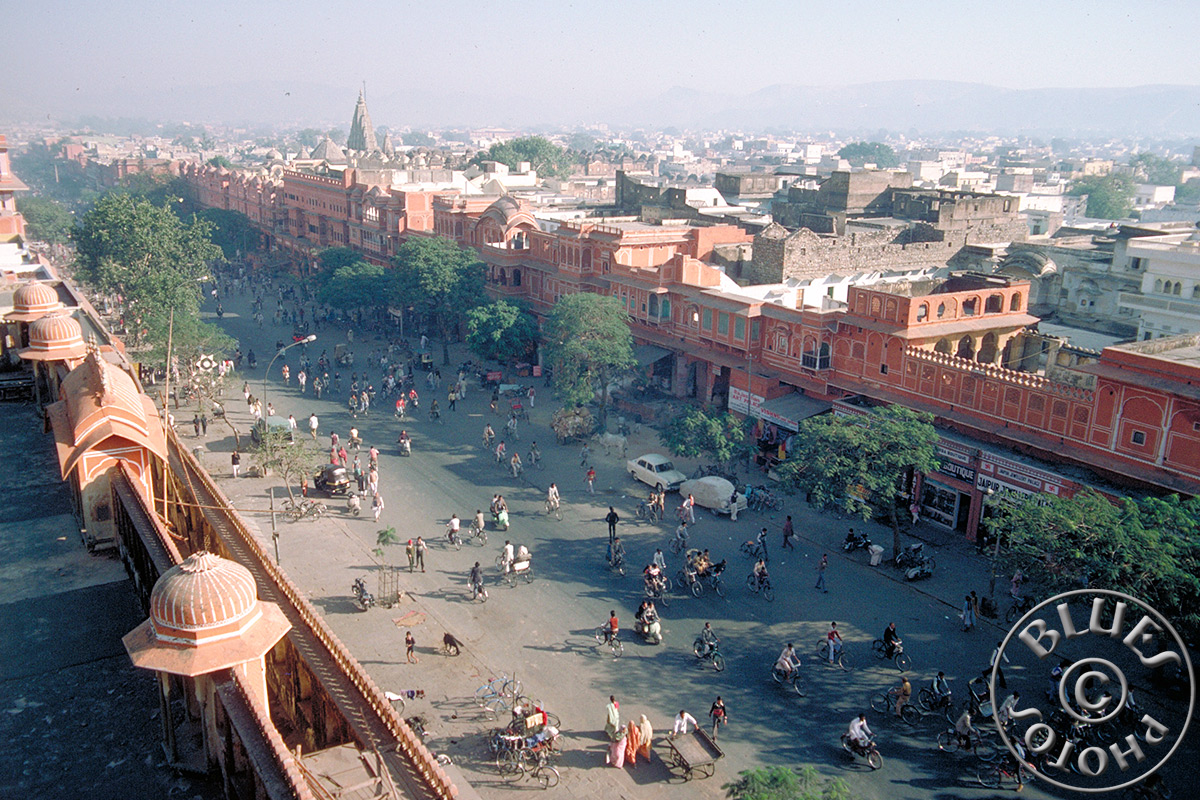 Vue panoramique sur Jaipur depuis le Hawa Mahal (Palais des vents)