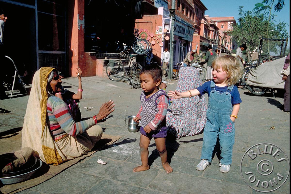 Jaipur, Julie cherche le contact