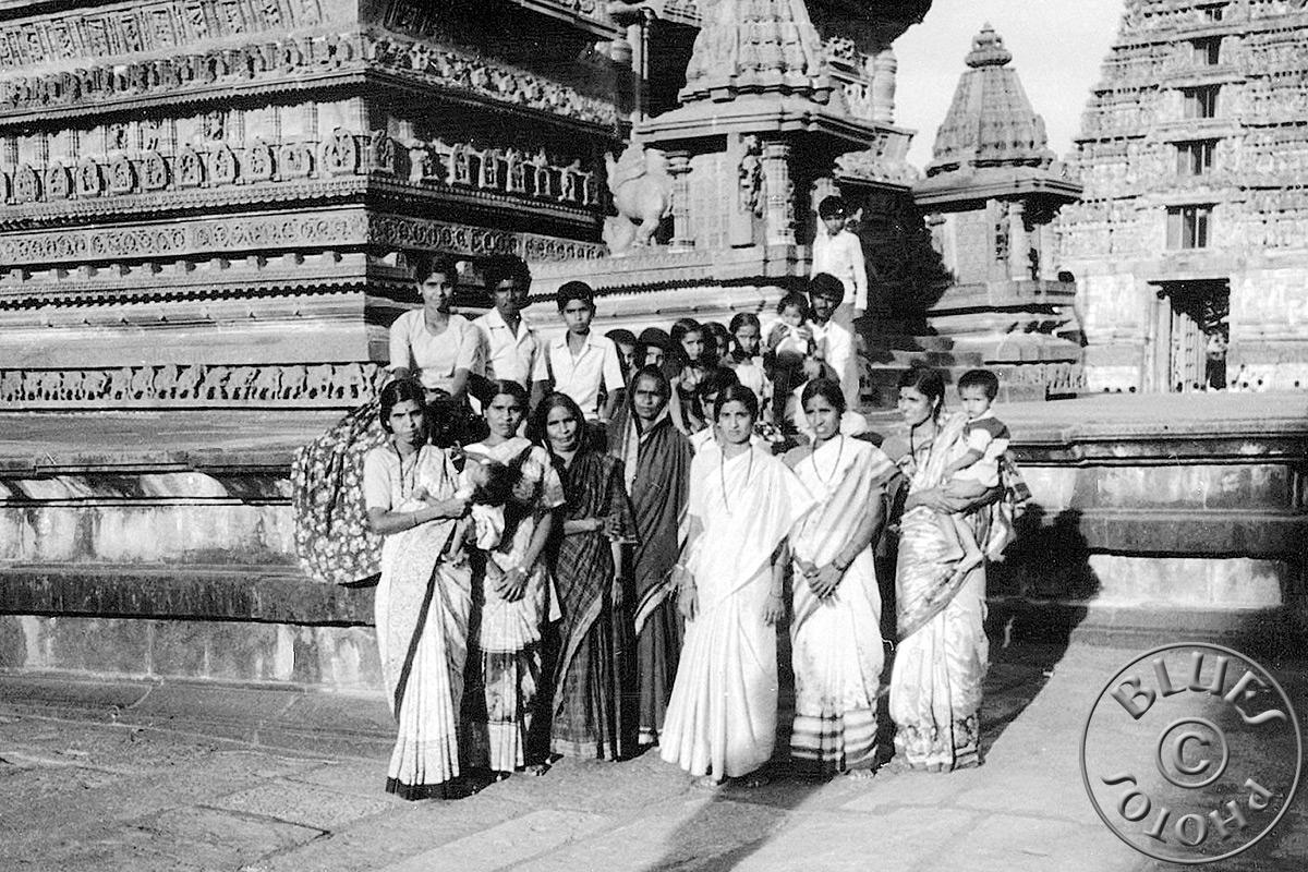 Mysore, une famille prend la pose.. merci