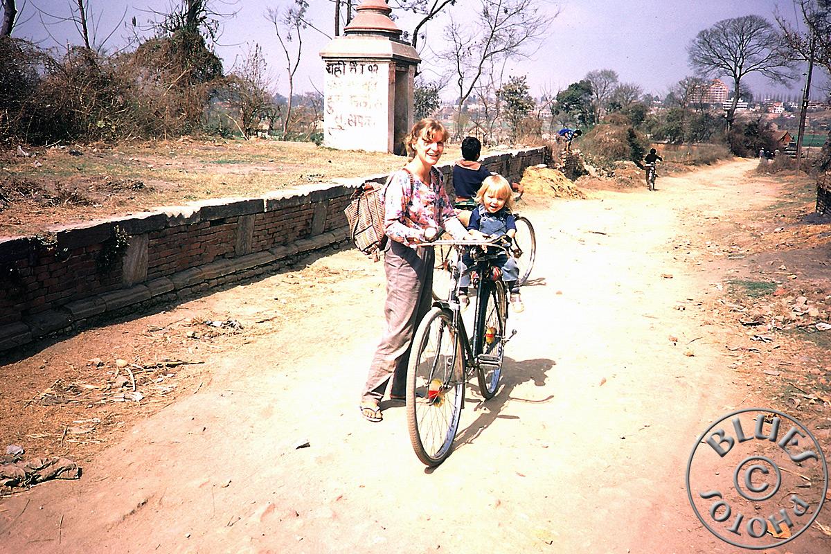 Népal, Kathmandu, balade à vélo en direction de Patan