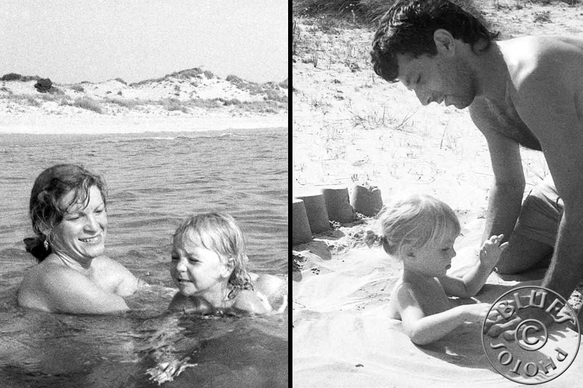 Grèce, à Pylos Julie profite du sable et de la plage